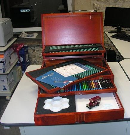 Coffret bois crayons anniversaire Derwent centenaire 1902-2002